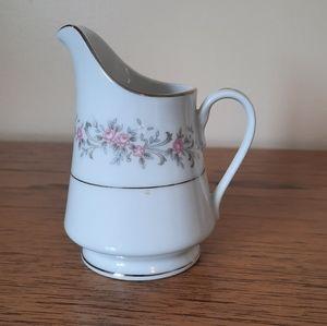 Fine china creamer milk jug